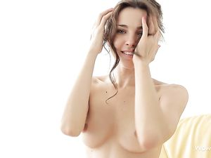 Erotic Solo Teen Tease With A Breathtaking Beauty