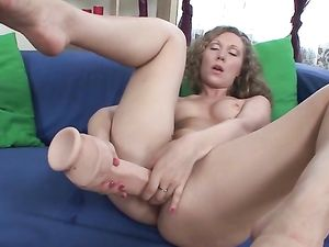 Babe And Her Big Dildos Fucking Solo